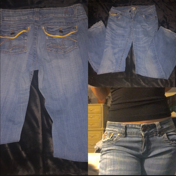 Low waisted denims jeans